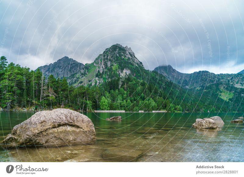 Steine am Bergseeufer Berge u. Gebirge See Aussicht Küste Felsen Landschaft