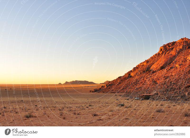Sonnenuntergang im Süden Namibias Tourismus Abenteuer Ferne Freiheit Safari Expedition Sommer Berge u. Gebirge Natur Landschaft Erde Sand Himmel