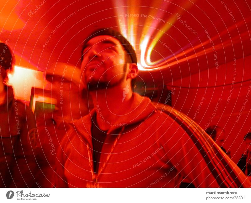disc jokey Disco Club rot Discokugel Diskjockey Reflexion & Spiegelung Nachtleben Mann Party Partygast