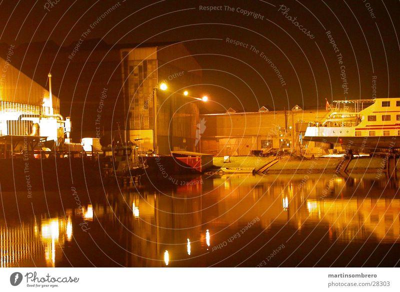 Winterhafen Langzeitbelichtung Nacht Wasserfahrzeug Licht Architektur Hafen Docs Industieromantik