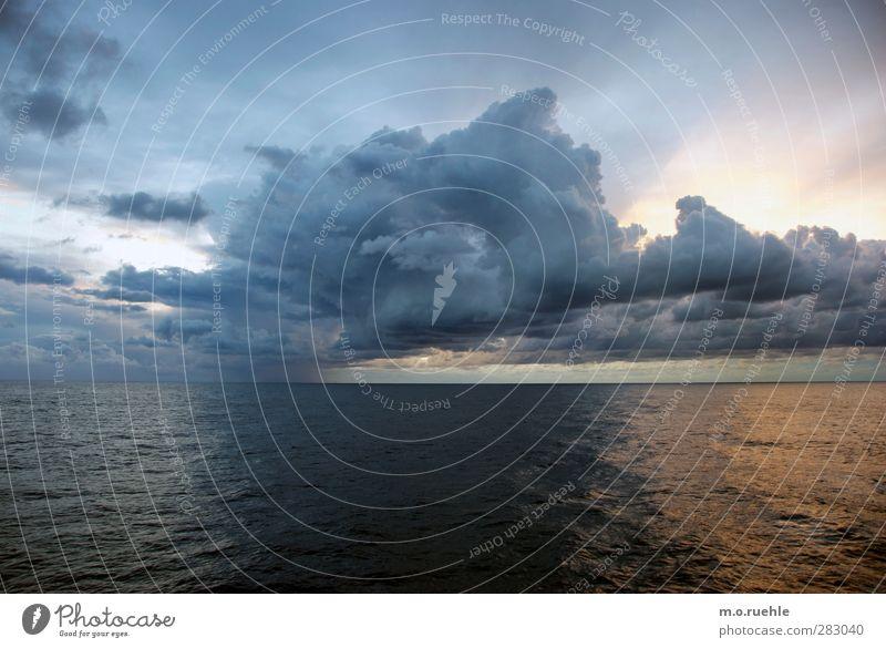 Nur noch ein weiterer Himmel Natur Ferien & Urlaub & Reisen schön Sommer Meer Wolken Landschaft Ferne Umwelt Gefühle Freiheit Luft Horizont Stimmung Wellen