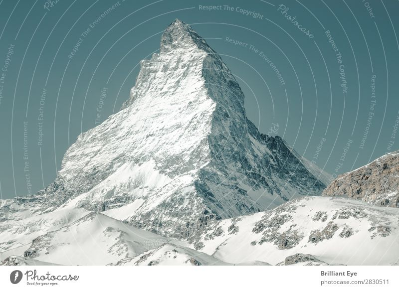 Majestätisch und beeindruckend: Matterhorn Ferien & Urlaub & Reisen Winter Natur Schnee Alpen Berge u. Gebirge Gipfel außergewöhnlich groß weiß Blauer Himmel