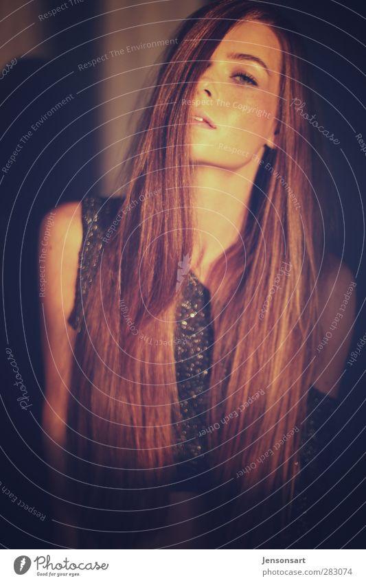 Lichtspiel Mensch feminin Junge Frau Jugendliche 1 18-30 Jahre Erwachsene Herbst Haare & Frisuren rothaarig natürlich Erotik Gefühle Coolness schön elegant
