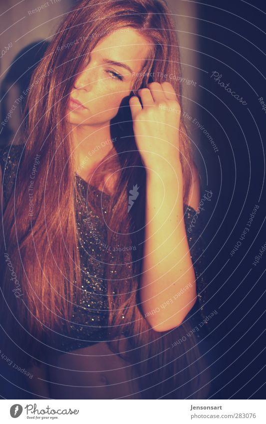 Lichtspiel Mensch feminin Junge Frau Jugendliche 1 18-30 Jahre Erwachsene Sonnenaufgang Sonnenuntergang Herbst Haare & Frisuren rothaarig langhaarig ästhetisch