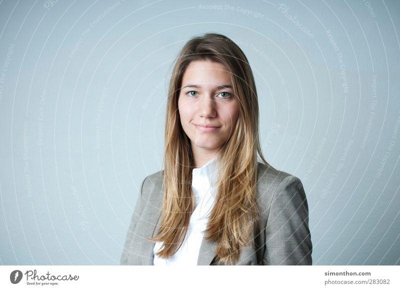 business woman Mensch Frau Jugendliche schön Erwachsene feminin Haare & Frisuren Business 18-30 Jahre Arbeit & Erwerbstätigkeit blond Erfolg elegant Studium
