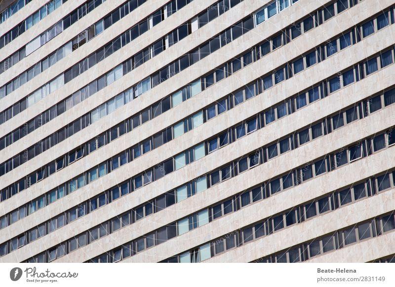 herausragend | die geöffneten Fenster blau Stadt Lifestyle Fassade grau Arbeit & Erwerbstätigkeit Zufriedenheit leuchten Europa Hochhaus Wachstum Kraft