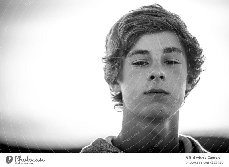 nice guy Mensch maskulin Junger Mann Jugendliche Leben Gesicht 1 13-18 Jahre Kind Coolness Glück schön stark Schwarzweißfoto Außenaufnahme Textfreiraum links