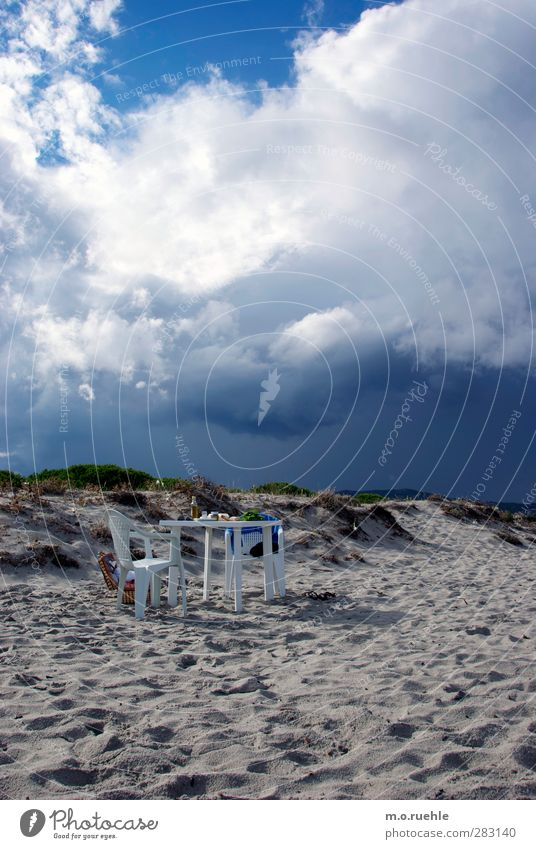 THE TABLE Himmel Ferien & Urlaub & Reisen Sommer Freude Strand Wolken Landschaft Freiheit Stil Essen Stimmung außergewöhnlich sitzen Insel Ausflug Lifestyle
