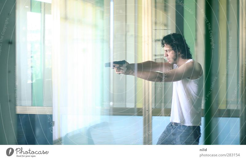 Gangster – 300 Mensch Jugendliche blau grün Erwachsene Gefühle Bewegung Junger Mann 18-30 Jahre Kraft maskulin warten verrückt bedrohlich Todesangst Wut