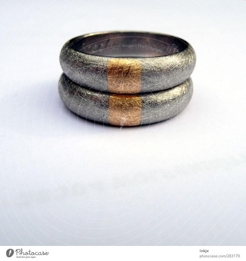 Liebe (machen) . Reichtum elegant Stil Glück Hochzeit Handwerk Ring Metall Gold liegen außergewöhnlich authentisch einzigartig rund schön silber Gefühle