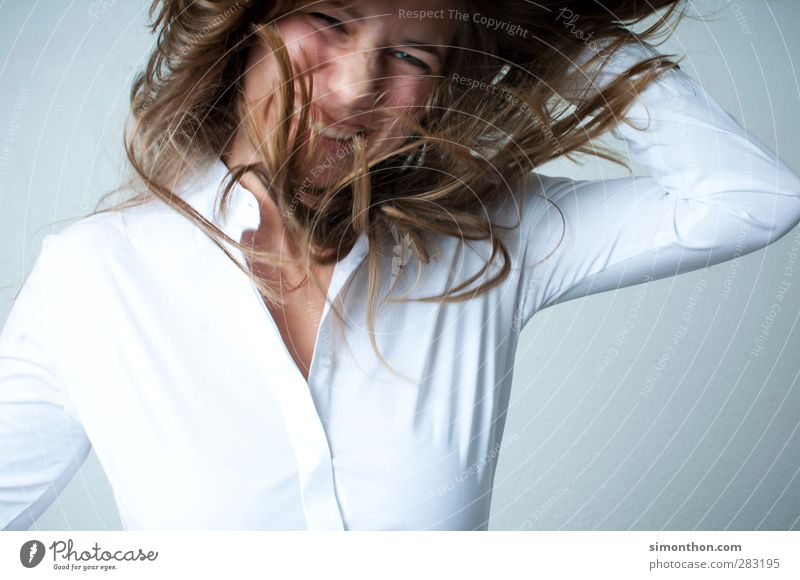 spaß Mensch Jugendliche Freude 18-30 Jahre Erwachsene feminin Spielen Glück Feste & Feiern Haare & Frisuren Business springen Zufriedenheit Freizeit & Hobby