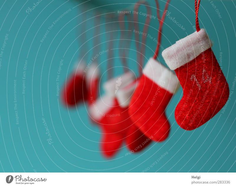 Vorfreude... blau Weihnachten & Advent weiß schön rot klein Stimmung Kindheit Ordnung Häusliches Leben ästhetisch Dekoration & Verzierung niedlich Schnur einzigartig Ziffern & Zahlen