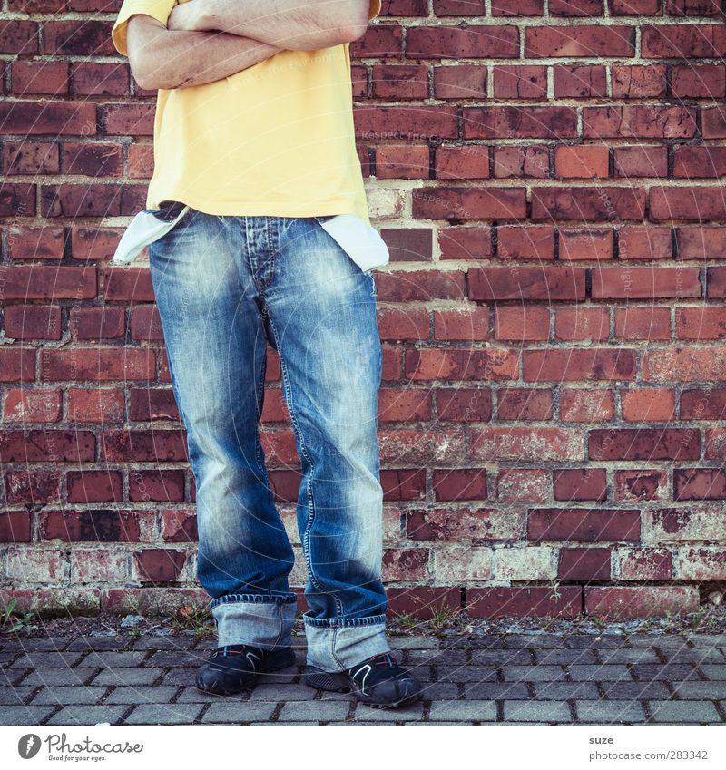 Hab nix ... na und! Mensch Mann Jugendliche blau rot Erwachsene Leben Wand Mauer Stil Mode 18-30 Jahre Körper Freizeit & Hobby maskulin Armut