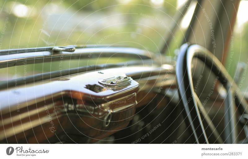 good times Verkehrsmittel Autofahren Fahrzeug PKW Oldtimer Limousine Lenkrad Aschenbecher Autofenster Chrom Holz alt authentisch elegant historisch Originalität
