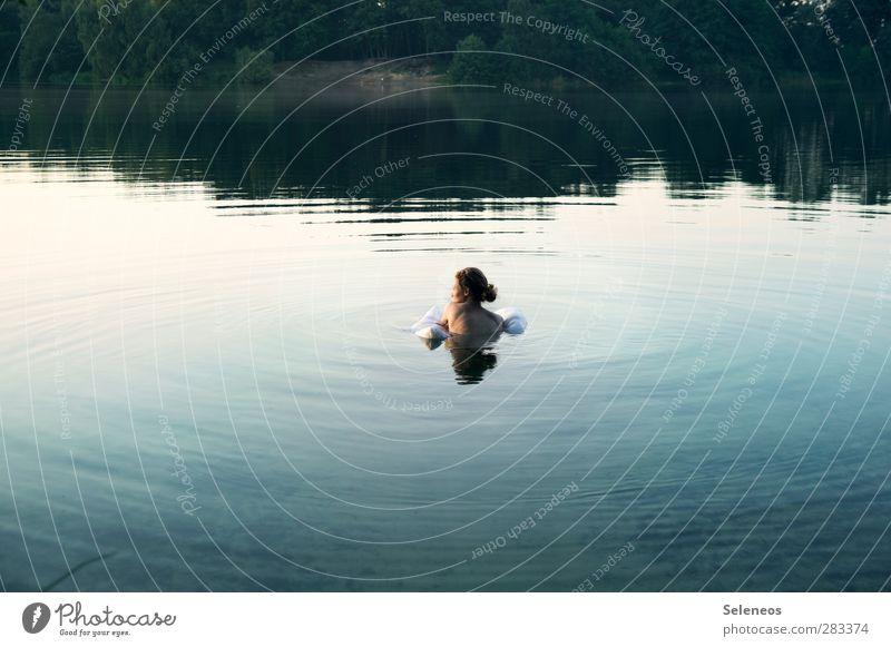 Ringlein, Ringlein du musst wandern Mensch Frau Natur Ferien & Urlaub & Reisen Sommer Sonne ruhig Landschaft Erholung Erwachsene Umwelt nackt feminin Küste Freiheit See