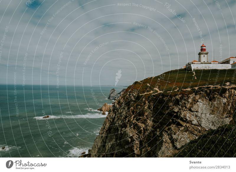 Leuchtturm auf einer Klippe am Cabo da Roca, Portugal Ferien & Urlaub & Reisen Tourismus Abenteuer Meer Wellen Landschaft Erde Küste Atlantik Europa