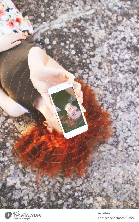 Frau Mensch Ferien & Urlaub & Reisen Jugendliche Junge Frau Sommer schön Freude 18-30 Jahre Lifestyle Erwachsene natürlich feminin Glück Freiheit Mode
