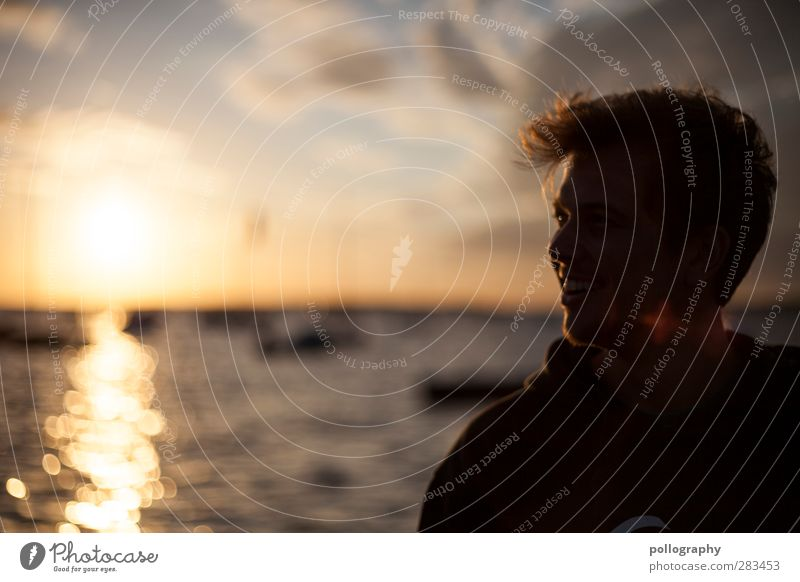 Die Schattenseite des Lichts Mensch Mann Jugendliche Ferien & Urlaub & Reisen Sommer Sonne Meer Landschaft Erwachsene Ferne Leben lachen Küste Glück Freiheit