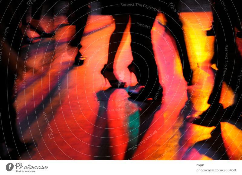 Tanz III Nachtleben Entertainment Party Veranstaltung Musik Club Disco ausgehen Feste & Feiern clubbing Tanzen Freude Fröhlichkeit Lebensfreude Beine Fuß