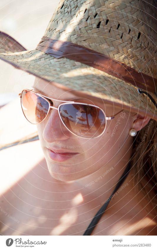 beach II Mensch Jugendliche schön Sommer Erwachsene Gesicht Wärme Junge Frau feminin 18-30 Jahre Schönes Wetter heiß Sonnenbrille Sonnenhut