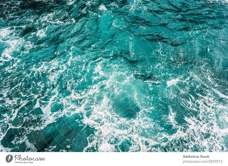 Türkisfarbenes Meer Wasser türkis Natur Landschaft Klippe Küstenstreifen natürlich Felsen Stein Lanzarote Spanien Aussicht wellig Ferien & Urlaub & Reisen