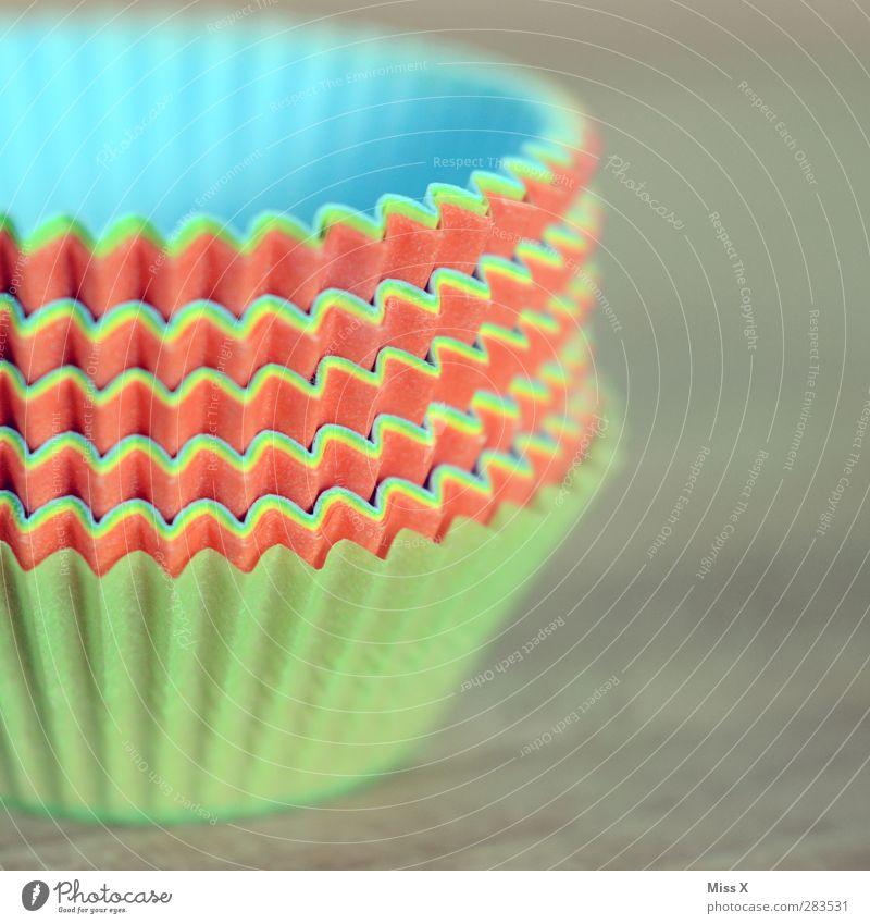 Förmchen Kuchen Ernährung Schalen & Schüsseln mehrfarbig Backform Papier Muffin Furche Wellenform Manuelles Küchengerät Farbfoto Nahaufnahme Menschenleer
