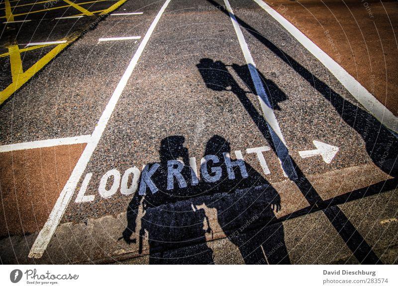 Verkehrserziehung Mensch weiß schwarz gelb Straße feminin Leben Linie braun Körper maskulin Schriftzeichen Verkehrswege Kontrolle Wort