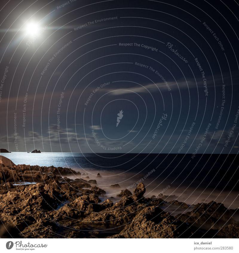 Vollmond II Lifestyle Ferien & Urlaub & Reisen Tourismus Ausflug Ferne Umwelt Natur Landschaft Wasser Himmel Wolken Nachthimmel Mond Hügel Felsen Wellen Küste