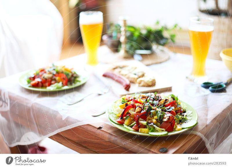 bon appetit Gesundheit Lebensmittel ästhetisch Ernährung Getränk genießen Bier lecker Bioprodukte saftig Salat Salatbeilage Wurstwaren