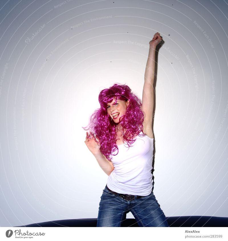 Yeah! Jugendliche schön Freude Erwachsene Gesicht Junge Frau Erotik lachen Glück Party Feste & Feiern 18-30 Jahre Musik Tanzen glänzend frei