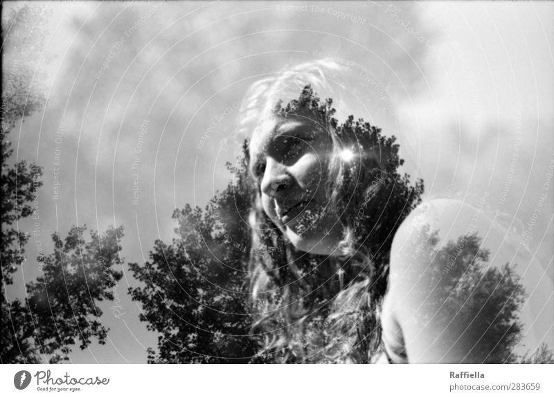 Sommertage feminin Junge Frau Jugendliche Körper Haut Kopf Haare & Frisuren Gesicht Nase Mund 1 Mensch 18-30 Jahre Erwachsene Luft Himmel Sonnenlicht