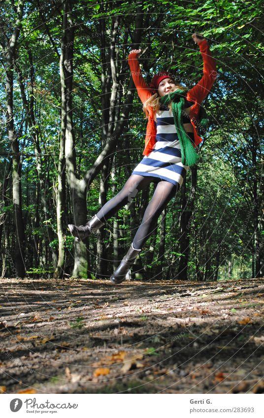 YEAH Leben Mensch feminin Junge Frau Jugendliche 1 13-18 Jahre Kind Natur Herbst Baum Wald Bekleidung Kleid Strumpfhose Stiefel Mütze springen authentisch