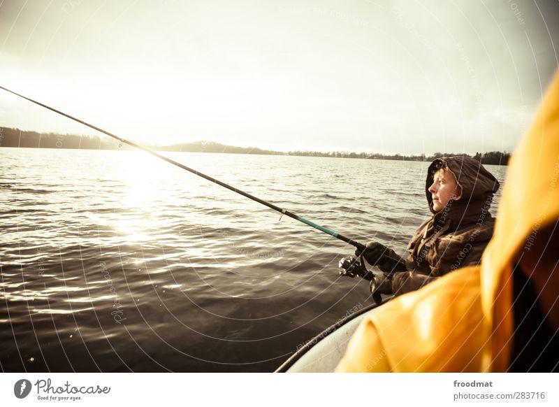fishing for compliments Mensch Mann Jugendliche Sonne ruhig Winter Erholung Erwachsene kalt Sport Herbst Junger Mann See träumen Freizeit & Hobby Zufriedenheit