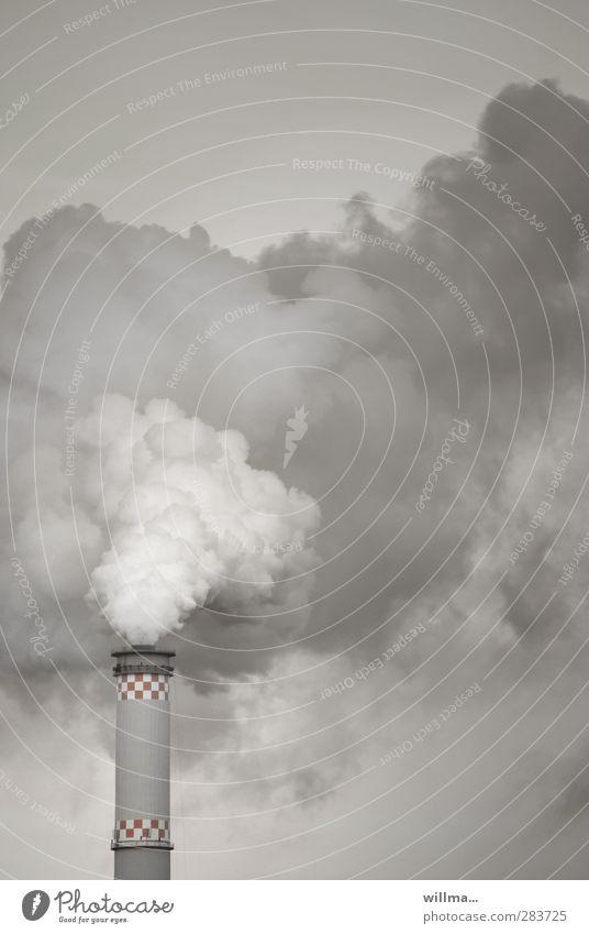 Hans Dampf in allen Gassen Energiewirtschaft Schornstein Rauchen grau Umweltverschmutzung Wasserdampf Heizkraftwerk Luftverschmutzung Menschenleer CO2