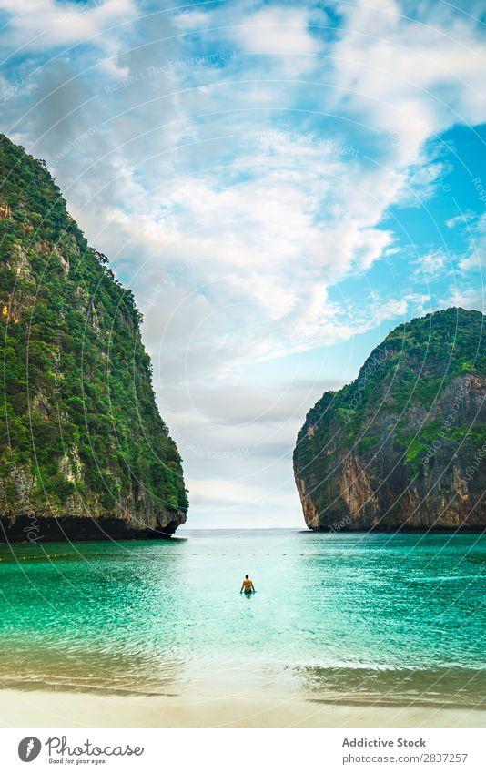 Boote in grünem Meerwasser Wasserfahrzeug Seeküste Strand Küste Ferien & Urlaub & Reisen Sommer blau Natur Landschaft schön Küstenstreifen Tourismus Idylle