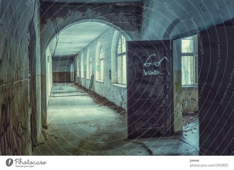 blind Haus Ruine Gebäude Architektur Fenster Tür alt dreckig heiß blau braun gelb grün Stil stagnierend Verfall Vergangenheit Vergänglichkeit