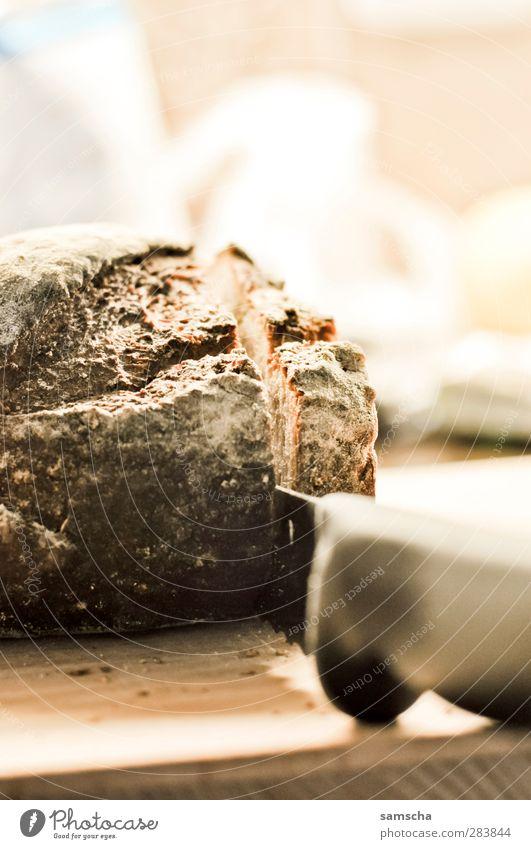 frisches Brot Essen Lebensmittel Ernährung Speise Kochen & Garen & Backen Küche Frühstück Foodfotografie Abendessen Messer Backwaren geschnitten Büffet Vesper