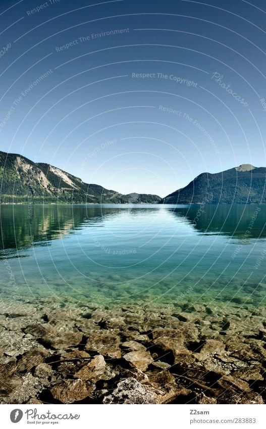 walchensee Umwelt Natur Landschaft Wasser Wolkenloser Himmel Sommer Schönes Wetter Felsen Berge u. Gebirge See Ferne kalt nachhaltig natürlich Sauberkeit