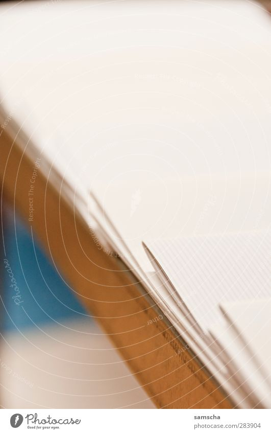 Zeitschriftenablage Schule Business Kommunizieren Studium Papier Ziffern & Zahlen lesen Medien Zeitung Werbung Handel Werbebranche Arbeitsplatz Printmedien Zeitschrift Marketing