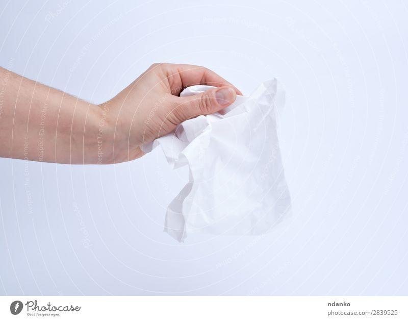 weibliche Hand mit einer sauberen weißen Papierserviette Körper Haut Arzt Mensch Frau Erwachsene Arme Finger 1 18-30 Jahre Jugendliche festhalten Sauberkeit
