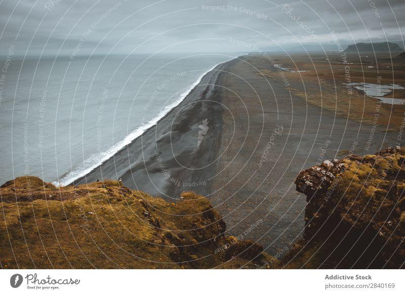 Dyrholaey, Island Reynisfjara Landschaft Insel Berge u. Gebirge Ferien & Urlaub & Reisen Küste Atlantik Felsen schwarz Meereslandschaft vulkanisch Strand Klippe