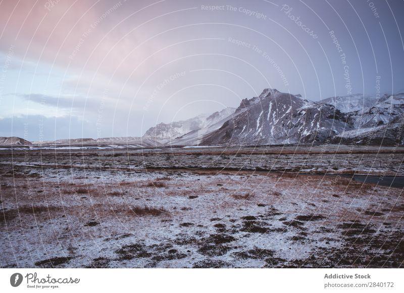 Einfrieren der isländischen Landschaft kalt Schnee Island Wüste Wildnis Wolken Aussicht Tal Eis Berge u. Gebirge wild natürlich Landen Felsen Park vulkanisch