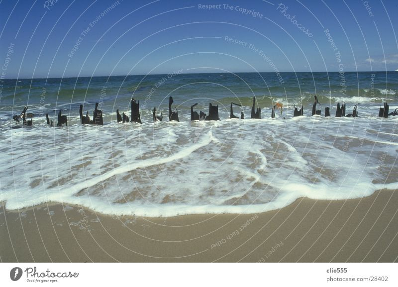Meerblick Strand Wellen Zaun Horizont Schaum Ferien & Urlaub & Reisen Wasser Nordsee Himmel Sand Schönes Wetter Ferne blau