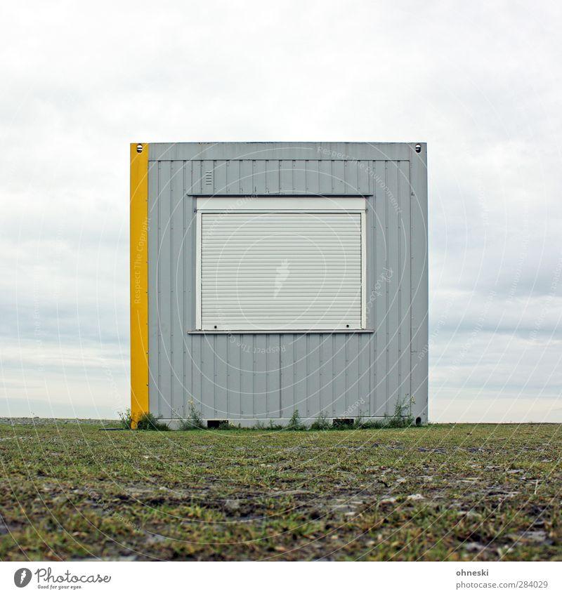 Nix los Einsamkeit Fenster grau Gebäude Horizont Fassade Hütte Container Jalousie Unlust Bauwagen