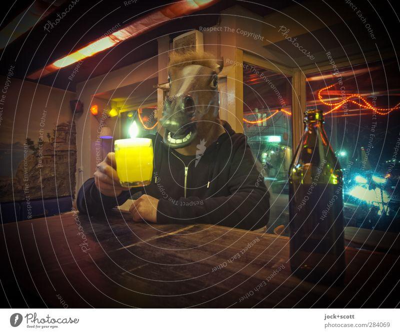 Palais d`Amour Mensch Freude Ferne Erwachsene lustig Feste & Feiern außergewöhnlich maskulin sitzen verrückt trinken Bier trashig Berlin Alkoholisiert Begeisterung
