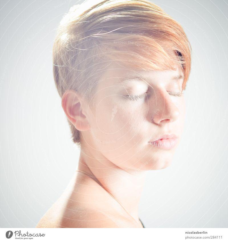 MP41 - The Light is Changing Color Mensch Jugendliche schön ruhig Erholung Erwachsene Gesicht nackt Junge Frau feminin Haare & Frisuren hell 18-30 Jahre träumen
