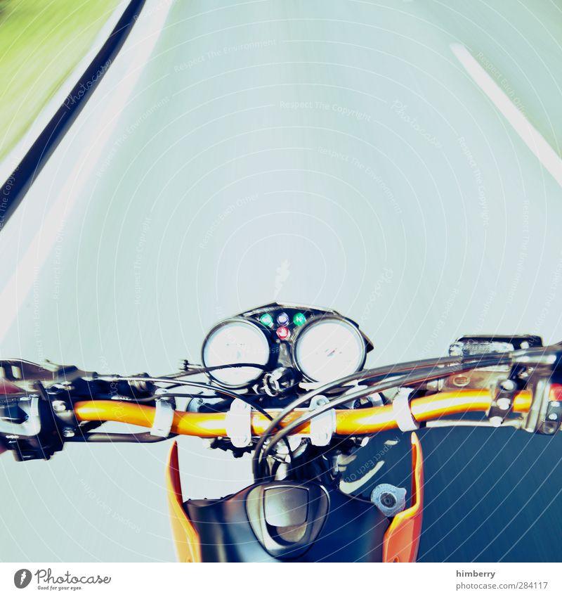 drive time Farbe Freude Straße Bewegung Wege & Pfade Freiheit Freizeit & Hobby Verkehr Design Geschwindigkeit fahren Risiko Autobahn Dynamik Motorrad
