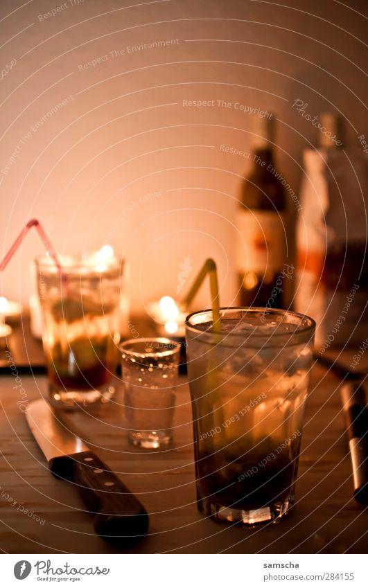 lass uns trinken Wärme Feste & Feiern Stimmung Glas Getränk trinken Kerze Wein genießen Bar Alkohol Alkoholisiert Cocktail Messer Nachtleben Kerzenschein