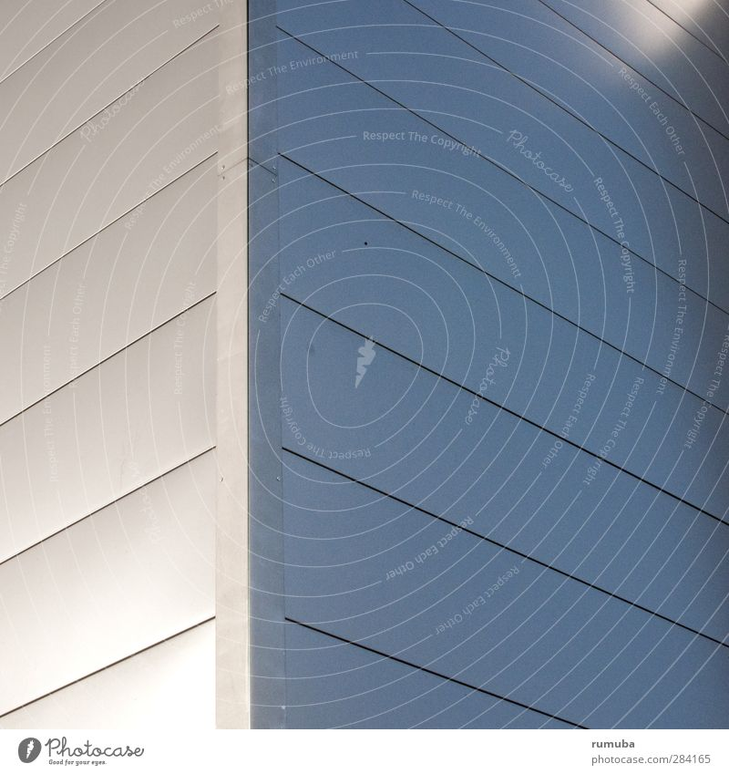 Eckfassade Stadt Haus Wand Architektur grau Mauer Gebäude Stil Hintergrundbild Metall Linie Fassade elegant modern Häusliches Leben Lifestyle