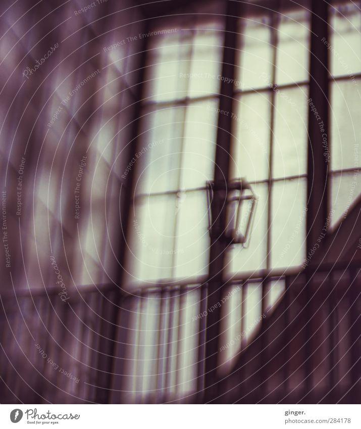 UT Köln | Die schöne Erhabenheit der düsteren Markthalle Gebäude Halle Traurigkeit Einsamkeit gefangen Gitter Fenster Laterne Empore diffus dunkel Ausweg